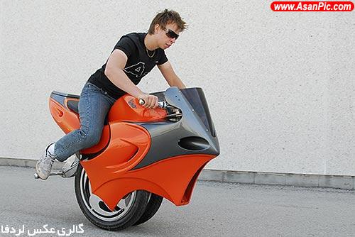 تصاویر موتورسیکلت های یک چرخ