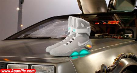 تصاويری از كفش مجهز به پانل درخشان LED