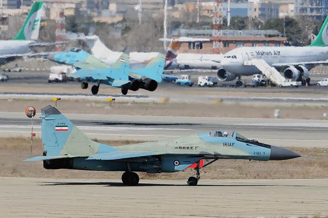 تصاویری از هواپیماهای جنگنده ایران